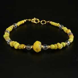 Bracelet with yellow Roman glass beads