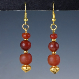 Earrings with Roman carnelian beads