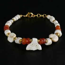 Bracelet with Roman shell and carnelian beads with amulet
