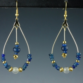 Earrings with Roman blue glass and agate beads
