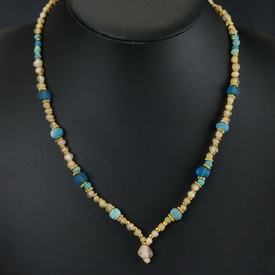Necklace with Roman semi-translucent glass and melon beads
