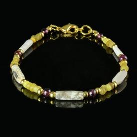 Bracelet with Roman yellow glass, shell, stone, garnet beads
