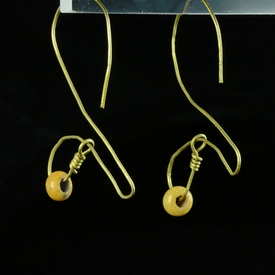 Iron Age, Celtic gold earrings with yellow glass beads