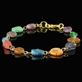 Bracelet with Roman multicoloured glass beads
