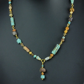 Necklace with Roman multicolour wire-wrapped glass beads