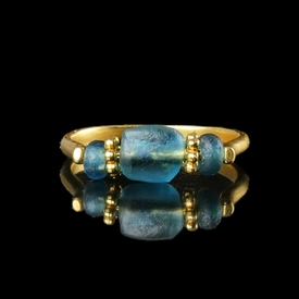 Ring with Roman blue / aquamarine colour glass beads