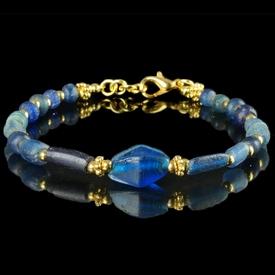 Bracelet with Roman blue glass beads