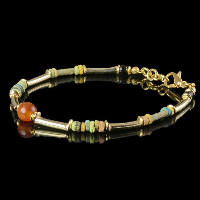 Bracelet with Egyptian faience and carnelian beads