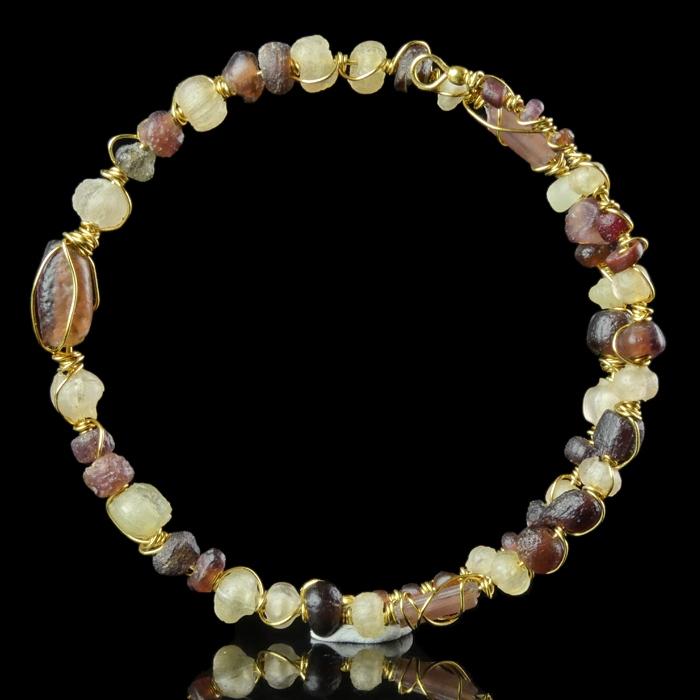 Bracelet with Roman purple and semi-translucent glass beads