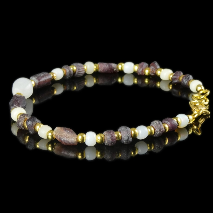 Bracelet with Roman purple and white glass beads