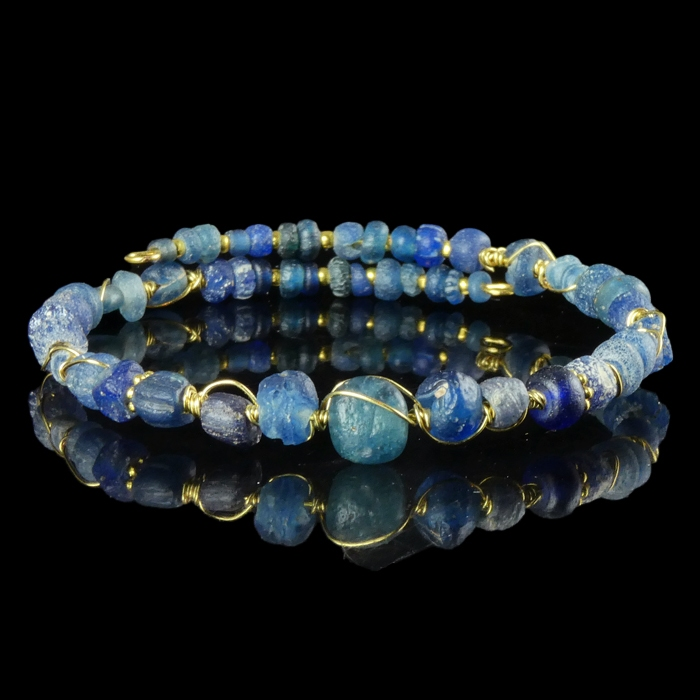 Bracelet with Roman wire-wrapped blue glass beads