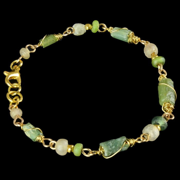 Bracelet with Roman wire-wrapped green glass beads