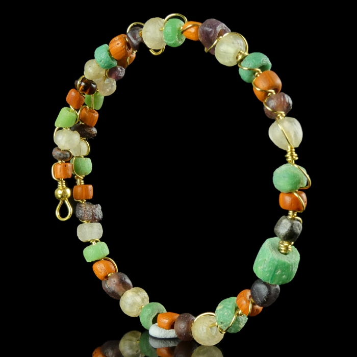 Bracelet with Roman wire-wrapped multicolour glass beads