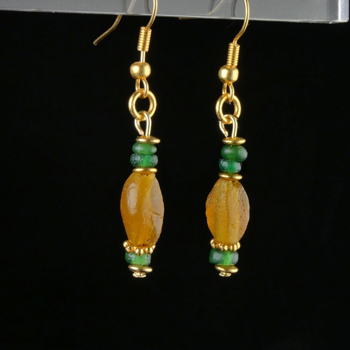 Earrings with Roman amber colour and green glass beads