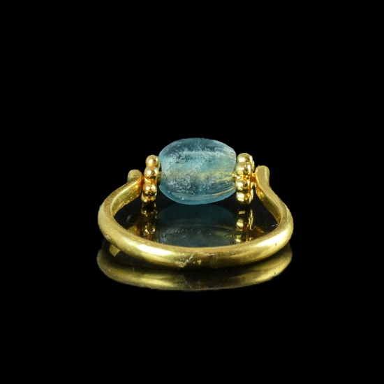 Ring with Roman blue / aquamarine colour glass bead