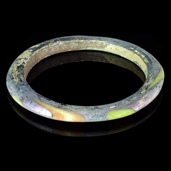 Solid Roman multicoloured glass bracelet