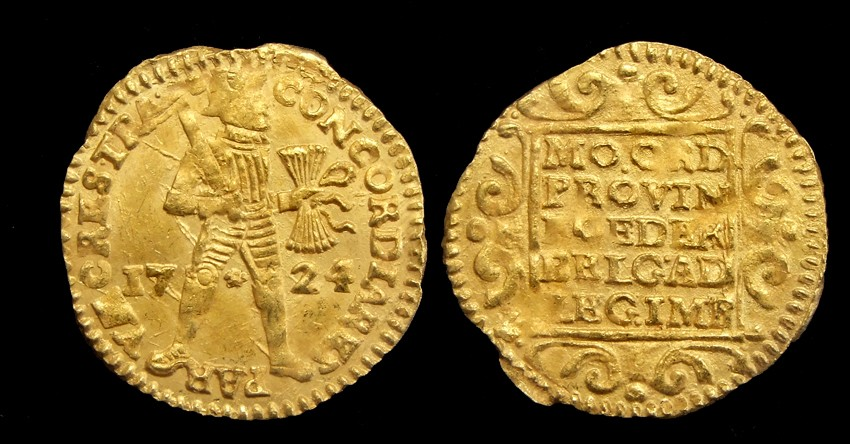 Utrecht, gold ducat 1724, retrieved from the VOC-shipwreck 'Akerendam'.