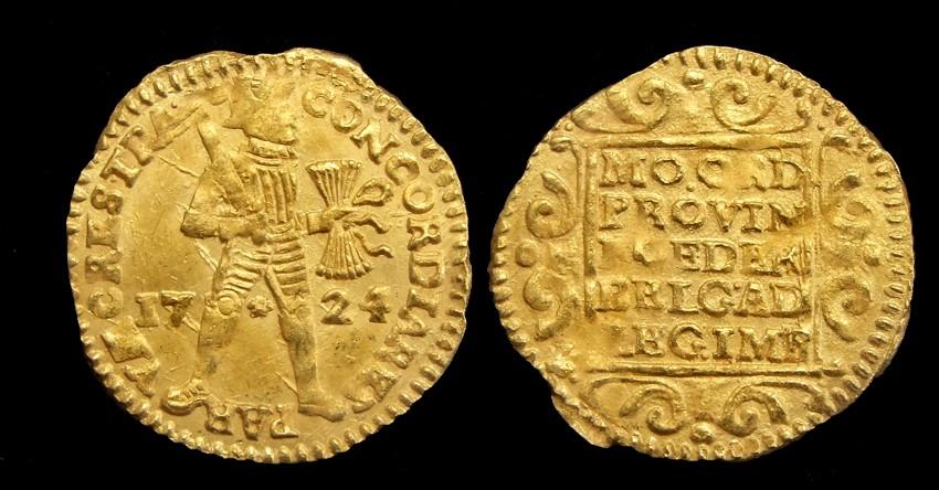 Utrecht, gold ducat 1724, retrieved from the VOC-shipwreck 'Akerendam'.